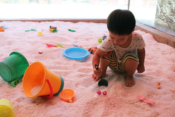 ㄟ米間親子友善風味料理-玩沙