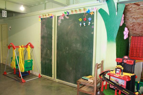 ㄟ米間親子友善風味料理-有黑板可畫畫