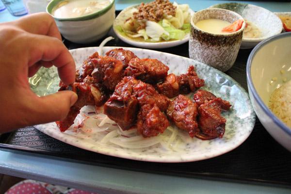 ㄟ米間親子友善風味料理-紅麴排骨超多塊