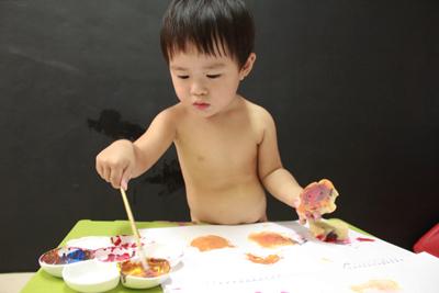 GIOTTO創意寶寶手指彩繪組-畫畫很認真