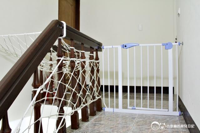 童樂繪親子遊戲館-門前樓梯細心加裝了安全防護