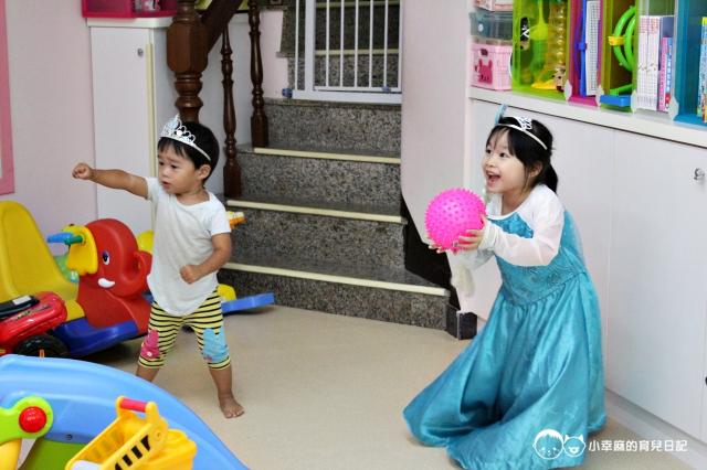 童樂繪親子遊戲館-戴皇冠