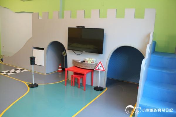 台南Candy肯蒂親子民宿-賽車六人房城堡