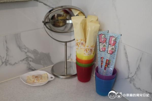 台南Candy肯蒂親子民宿-賽車六人房牙刷