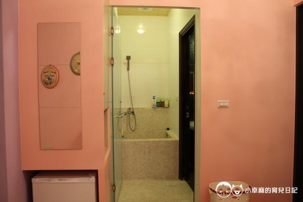 台南Candy肯蒂親子民宿-家家酒六人房浴廁