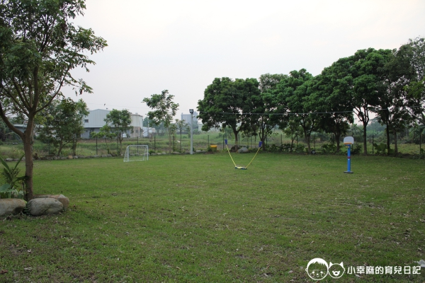 詩情夢幻城堡-大草皮