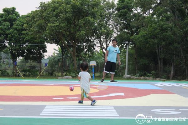 詩情夢幻城堡-父子打球