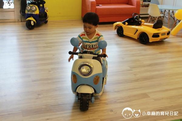 幸福童漾親子民宿-摩托車好可愛