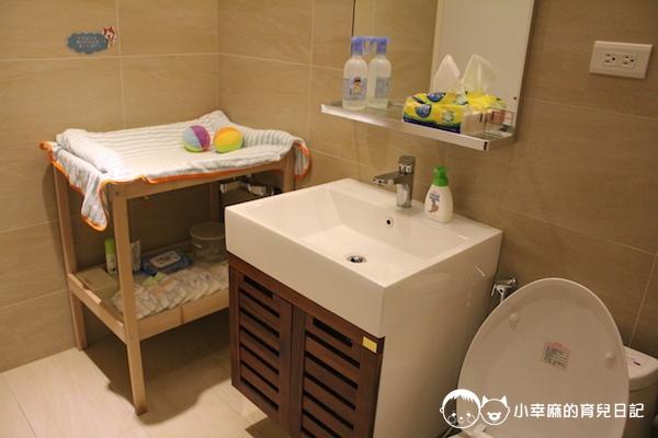 幸福童漾親子民宿-一樓設有廁所