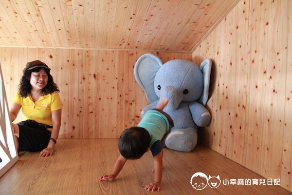 童樂匯主題式親子民宿-地板好舒服