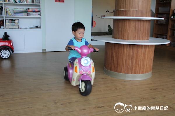 童樂匯主題式親子民宿-電動摩托車