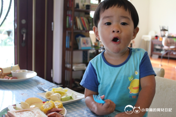 花蓮民宿羊兒煙囪-小子吃早餐