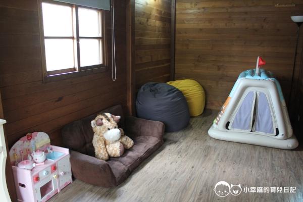 花蓮民宿羊兒煙囪-沙發跟懶骨頭