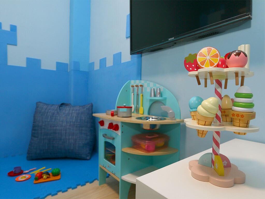 月明風清民宿-藍色城堡2+1人房