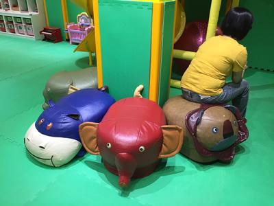 台北LOVE樂福親子館-爸媽休息區