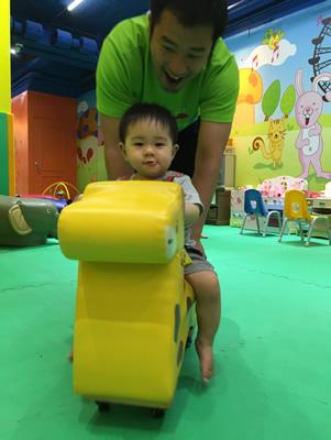 台北LOVE樂福親子館-玩具車