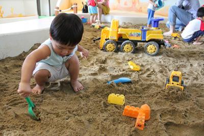 新和公共托育中心-挖沙的組件很多